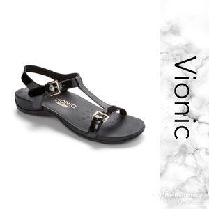d34a71a22b3 Vionic Sandals
